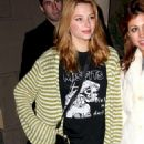 Haley Bennett - Hollywood Candids, 06.01.2009.