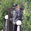 Hailey Bieber – stops by a friend's house in Beverly Hills