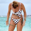 Olivia Buckland in Bikini on the beach in Maldives - 454 x 856