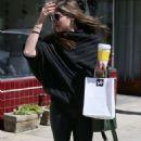 Selma Blair in Leather Pants Shopping in LA - 454 x 807