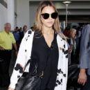 Jessica Alba Arrives at LAX (August 30, 2017)