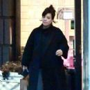 Lily Allen – Out in Notting Hill - 454 x 690