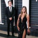 Jennifer Aniston and Justin Theroux - 454 x 681