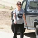 Jennifer Love Hewitt Out and About In Santa Monica