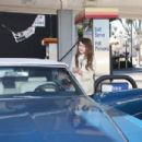 Mischa Barton - Runs Out Of Gas And Heads To A Gas Station In Hollywood, 2010-02-15