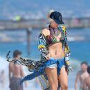 Gwen Stefani in Bikini at New Port Beach - 454 x 681