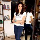 Bipasha Basu gets styled at Mad-O-Wat Salon - 454 x 684