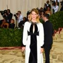Laura Dern – 2018 MET Costume Institute Gala in NYC - 454 x 682
