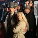 Michelle Williams and Hugh Jackman on the set of 'The Greatest Showman' in NY - 454 x 916