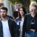 Joe Jonas and Sophie Turner - 454 x 302
