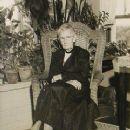 Grandma Moses - 241 x 348