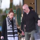 Leah Remini – Christmas shopping at Barneys New York in Beverly Hills - 454 x 681