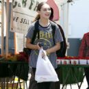 Maddie Ziegler – Shopping at the Farmer's Market in Studio City