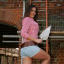Lucy Pinder Daily Star Page 3 Builder Set Pictures