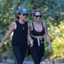 Jennifer Meyer – Out for a walk with a friend in Santa Monica - 454 x 681
