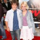 Annasophia Robb and Joshua Hutcherson