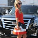 Paris Hilton stops by the Meche Salon in Beverly Hills, California on May 12, 2016 - 380 x 600