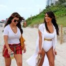 "Kim Kardashian: film scenes for ""Keeping Up with the Kardashians"" on the beach"