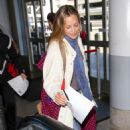 Maria Bello – Arrives at LAX Airport in Los Angeles - 454 x 681