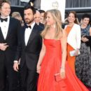 Justin Theroux and Jennifer Aniston At The 85th Annual Academy Awards (2013) - 395 x 594