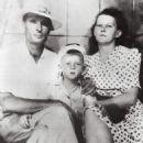Elmo Lewis Sr., Mamie Ethel Lewis, with little Jerry Lee