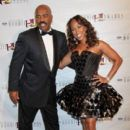 Marjorie Harvey and Steve Harvey - 400 x 600