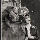 Carnival Original 1961 Broadway Cast Starring Jerry Orbach & Anna Maria Alberghetti - 454 x 558