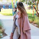 Jessica Alba – Headed to meetings in Los Angeles