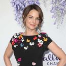 Kimberly Williams-Paisley – 2018 Hallmark's Evening Gala TCA Summer Press Tour in LA - 454 x 638