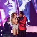 Jennifer Lopez and Smokey Robinson : 61st Annual Grammy Awards Show - 423 x 600