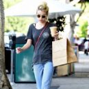 Emma Roberts Street Style – Picks up Breakfast From Larchmont Village in LA 9/21/2016
