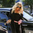 Khloe Kardashian – Arrives at Petit Trois in Sherman Oaks