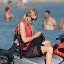 Paris Hilton on the beach in Mykonos - 454 x 681
