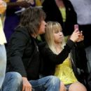 Richie Sambora and daughter Ava at the Lakers game on May 12th, 2009 in Los Angeles, CA - 454 x 579