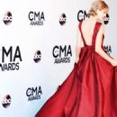 TAYLOR SWIFT CMA AWARDS 2013 PHOTOS
