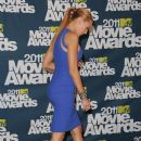 Blake Lively At The 2011 MTV Movie Awards - 388 x 594
