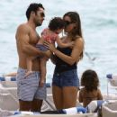 Aaron Diaz and Lola Ponce Enjoy a Day on the Beach in Miami - 454 x 519