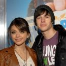 Sarah Hyland and boyfriend, Matt Prokop attended the premiere of Hall Pass tonight, February 23, at the ArcLight Cinemas Cinerama Dome in Los Angeles.