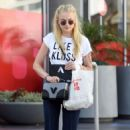 Sophie Turner Out Shopping in Los Angeles 08/23/2016 - 454 x 717