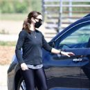 Jennifer Garner – Spotted while out in Brentwood