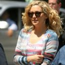 "Kate Hudson - Set Of ""Something Borrowed"" In Chelsea, 2010-05-25"