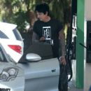 Rocker Tommy Lee stops for gas at a gas station in Calabasas, California on July 12, 2016 - 452 x 600