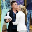 Jesse McCartney and Katie Peterson - 454 x 530