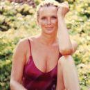 Linda Evans - 454 x 567