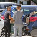 Jessica Alba– Grocery Shopping in Malibu, July 2016 - 454 x 585