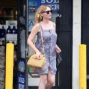 Kirsten Dunst out for lunch in Toluca Lake - 454 x 622