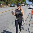 Kaley Cuoco – Hits the gym in LA - 454 x 598