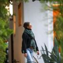 Jennifer Aniston – Spotted at a salon in Beverly Hills