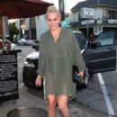 Lindsey Vonn – Arrives for dinner at Craig's in West Hollywood - 454 x 600