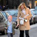 Uma Thurman - Running Errands In New York City - 25 February 2008